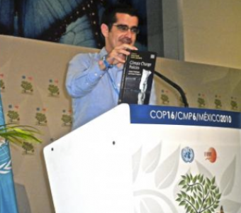 Presentación del Libro Climate Change Policies: Global Challenges  en Cancún